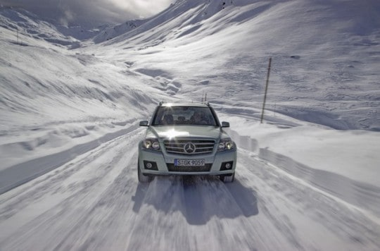 mercedes-benz_glk_winter_driving_fun14-540x356