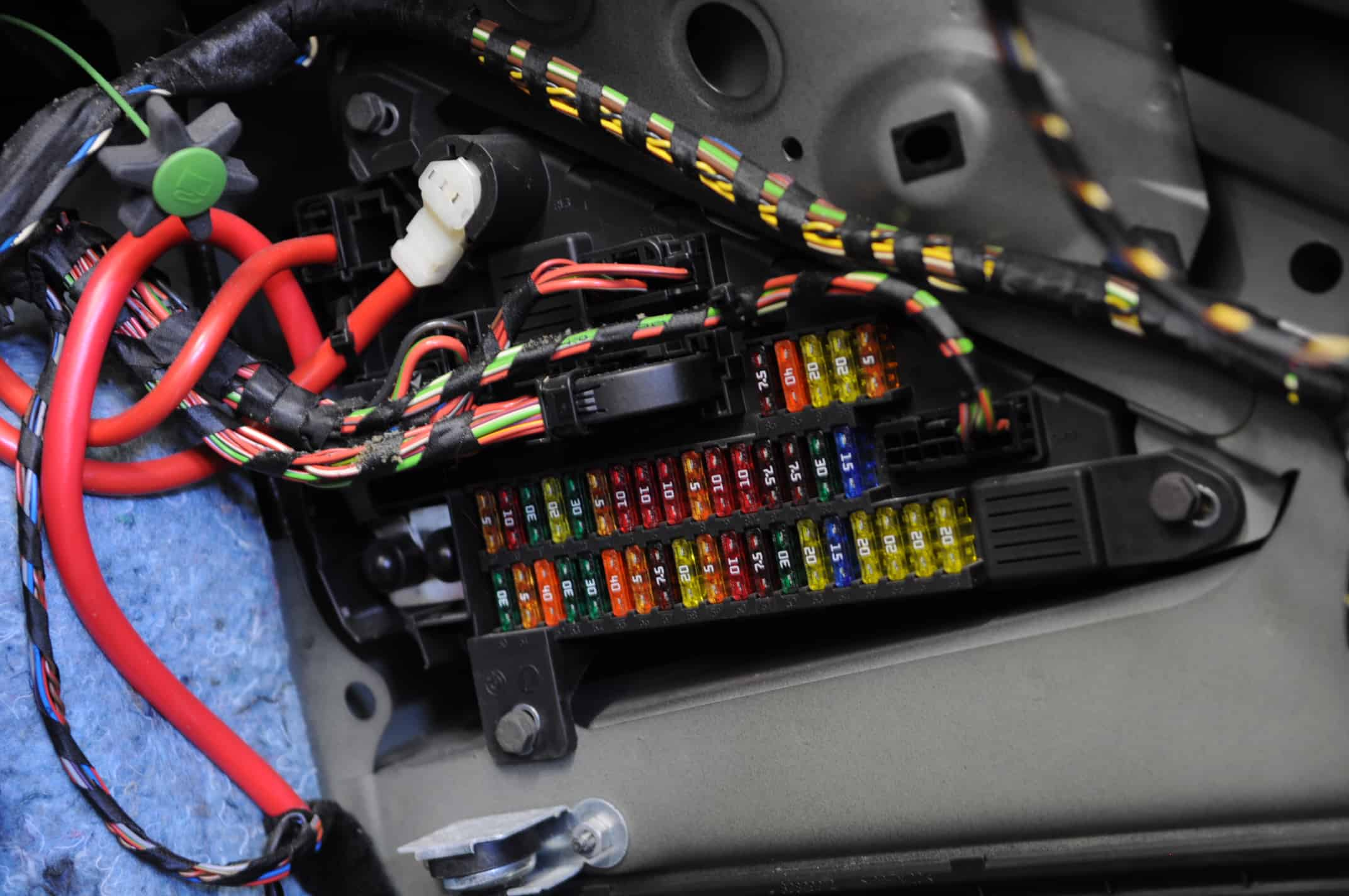 Bmw E60 M5 Battery Dead Draw Test Pull Fuses One By One Till The