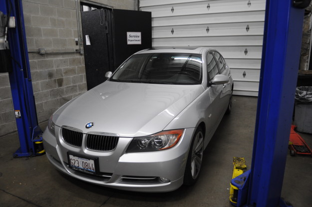 2007 BMW e90 335i Brake hydraulic fluid service light maintenance reminder flush exterior headlights exterior silver bumper