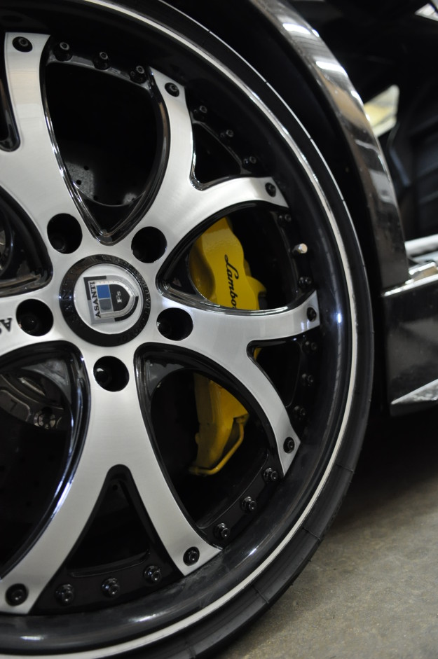 Lamborghini Murcielago diagnostic service, repair and maintenance in chicago naperville and plainfield Fluid MotorUnion  black wheels