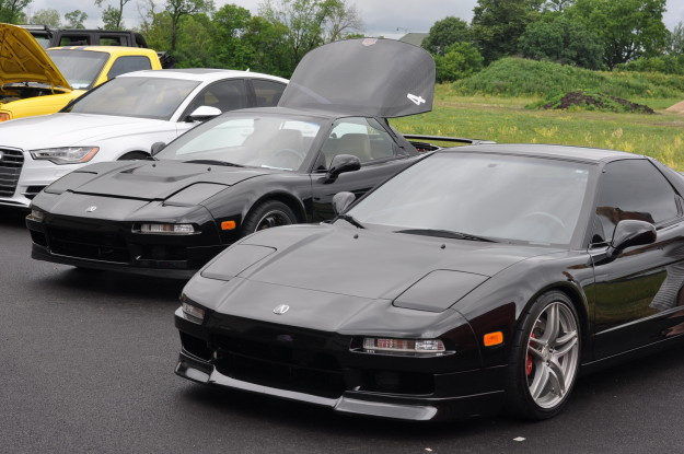 acura honda nsx black front end side view