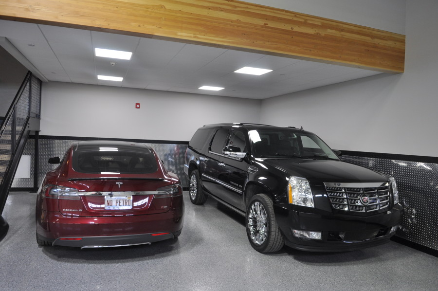 Land Rover Naperville >> Iron Gate Motor Condos: What Was At the Show - Car Repair, & Performance | Fluid MotorUnion ...