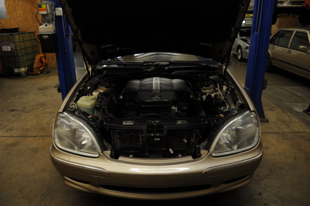 Unconventional Oil Change 2004 chrysler crossfire 3.2L V6 M112 and 2001 Mercedes Benz S55 amg 5.4L V8 M113 w220 hood open engine bay motor