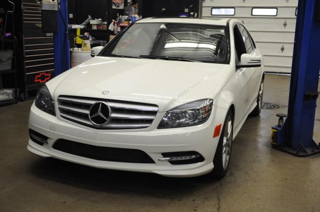2009 mercedes benz c300 v6 c class w204 oil change exterior white headlights