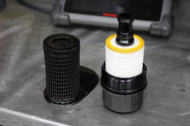 2009 mercedes benz c300 v6 c class w204 oil change filter fleece cap new old used black comparison