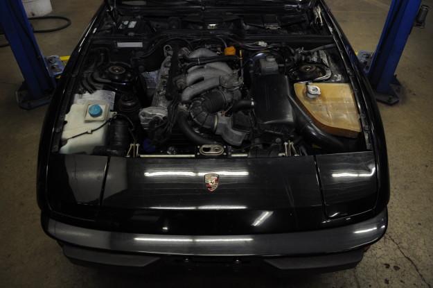 1983 porsche 924 s water pump replacement coolant leak timing belt 4 cylinder 2.4 engine bay motor