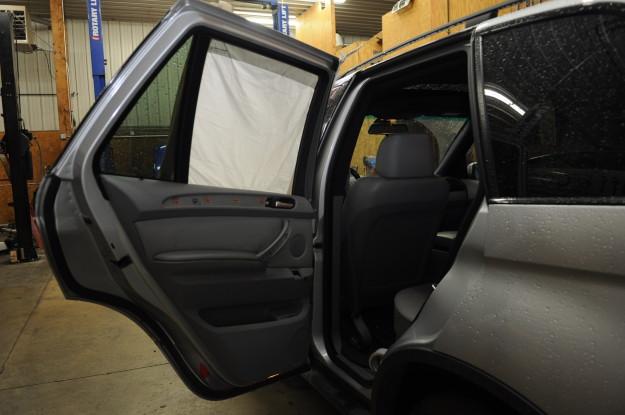 2002 BMW X5 4.4 E53 Window rear regulator stuck down left Diy door panel screws removal