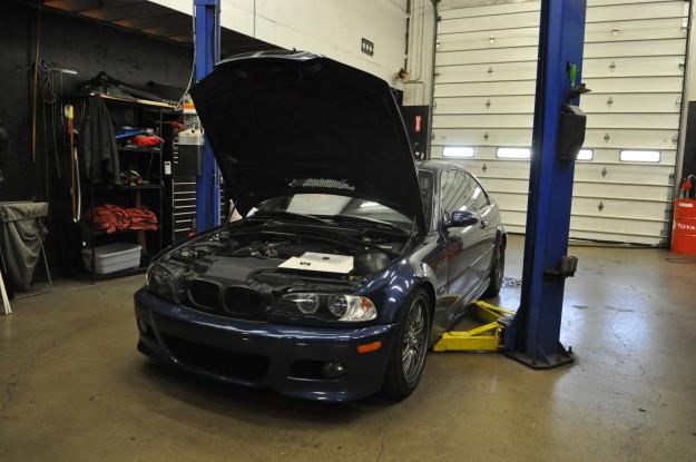 2003 BMW M3 E46 3.2L S54 6 cylinder oil change service inspection I 1 II 2 exterior