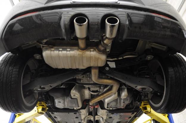 Volkswagen Golf R Exhaust Install (2)